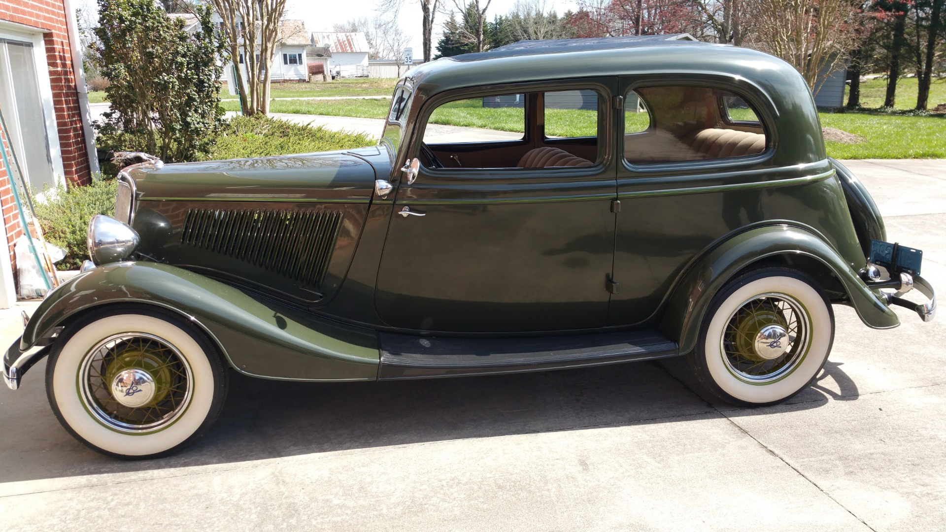 Used-1934-Ford-Victoria