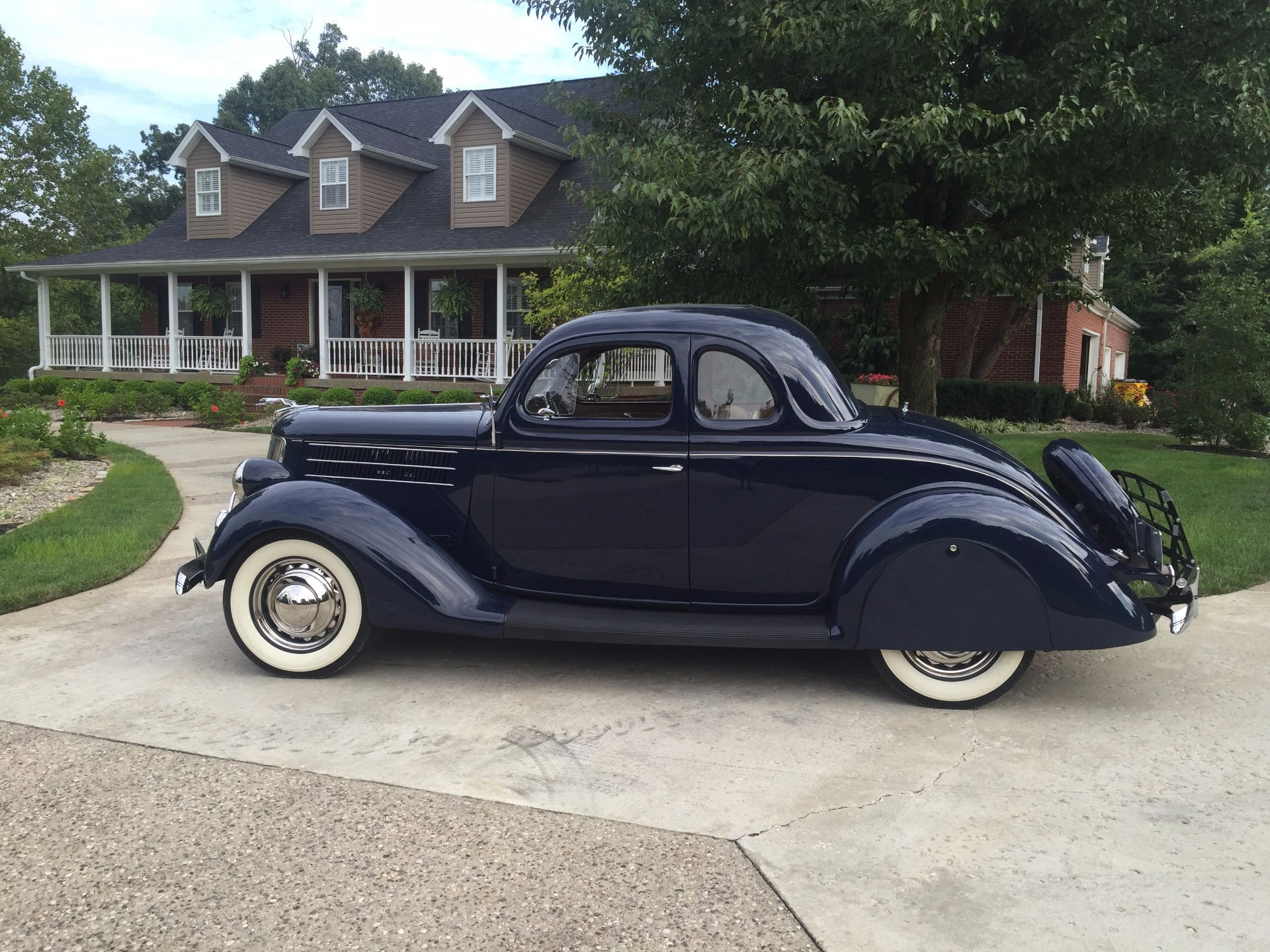 Used-1936-Ford-Deluxe-Rumbleseat